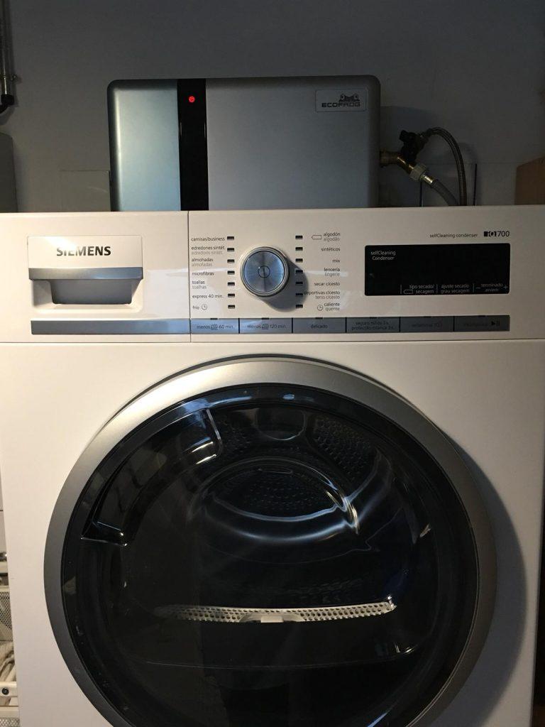 imagen de una lavadora en post sobre como lavar sin deteregente